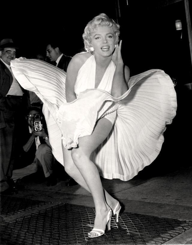 Marilyn Monroe sur la bouche de métro dans sept ans de réflexion (credits abaca)