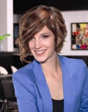 coupe cheveux  Court assymetrique Camille Albane