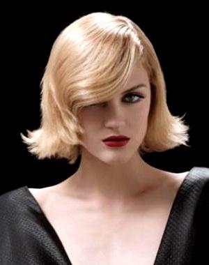 Coupe de cheveux Carre glamour de Michel Dervyn